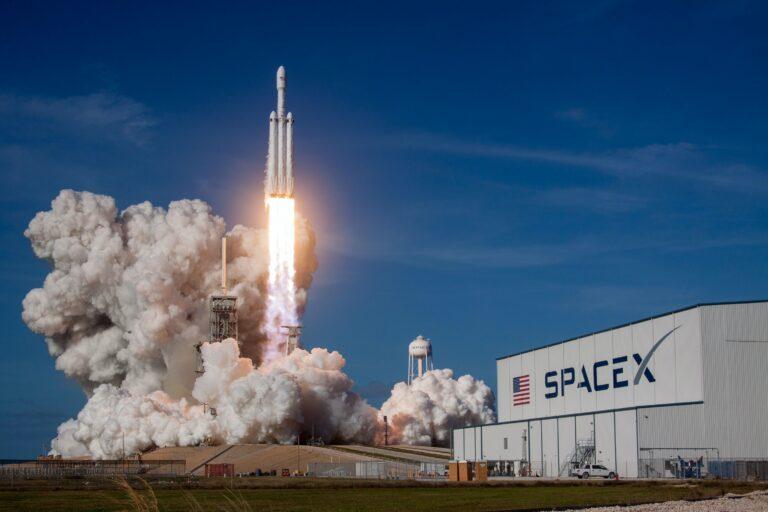 growth hacking, Elon Musk, Space X